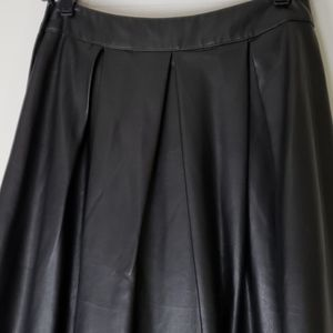 Who What Wear Black Leather Skirt 6